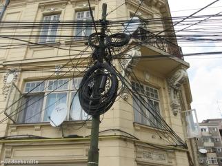 0628 1236 Cables en Piata Unirii